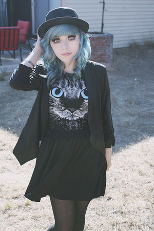 black cat romwe dress - black straw Forever 21 hat