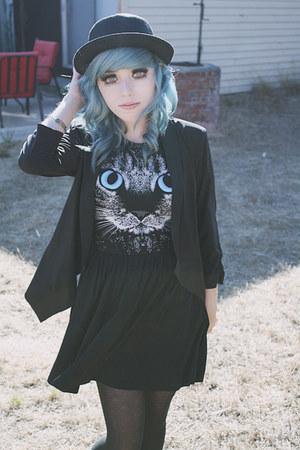black cat romwe dress - black straw Forever 21 hat
