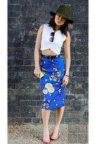 Zara skirt - Reiss hat - crop top Zara top - whistles heels