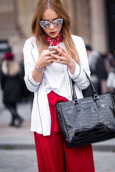 white marble Quay Australia sunglasses - red bandana Urban Outfitters scarf