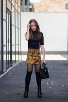 mustard paisley Zara skirt - black ankle Massimo Dutti boots