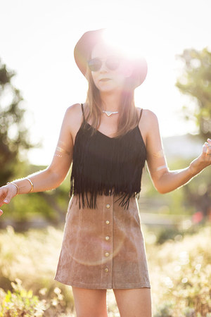 bronze suede Liquorish hat - black metal bridge asos sunglasses