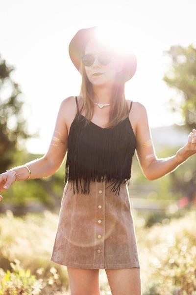 bronze suede Liquorish hat - black metal bridge asos sunglasses