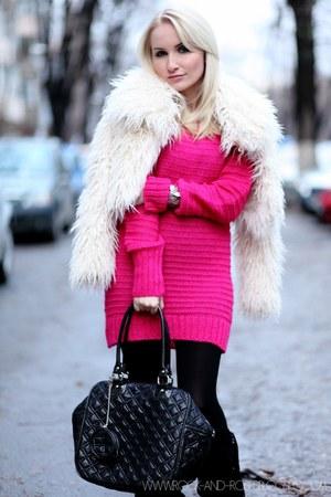 hot pink Glowfashionro sweater - ivory new look coat - black no name bag