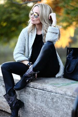 black Zara boots