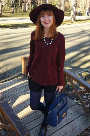crimson Pimkie hat - crimson Pimkie sweater - navy penti tights