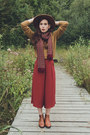 Burnt-orange-h-m-hat-mustard-pull-bear-sweater-ruby-red-natura-scarf