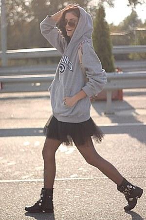 silver askda hoodie