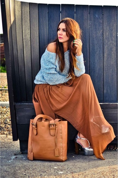brown maxi skirt Mango skirt - light blue off shoulder River Island sweater