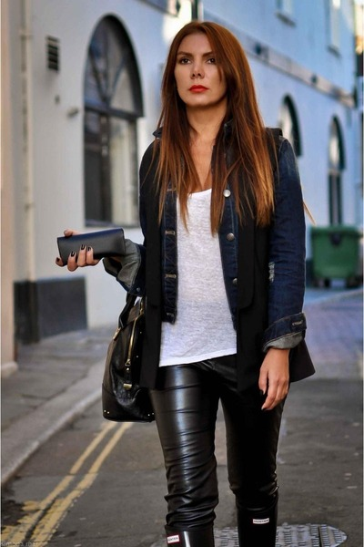 denim jacket Zara jacket - Hunter boots - leggings - Zara t-shirt