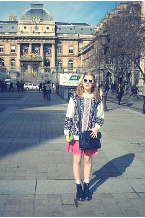 Dr Martens boots - vintage sweater - Urban Outfitters bag - H&M socks - vintage