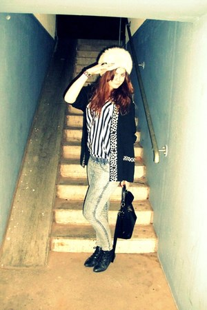 New Yorker boots - H&M jeans - Vintage  From Granma hat - Urban Outfitters bag -