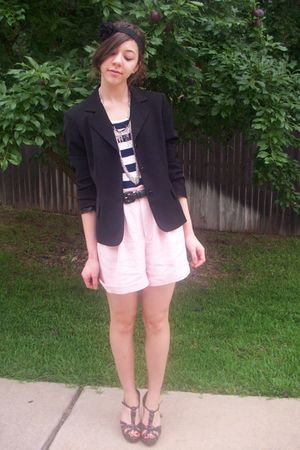 moms blazer - thrifted shorts - headband f21 necklace