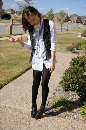 f21 vest - f21 shirt - f21 skirt - UrbanOG shoes