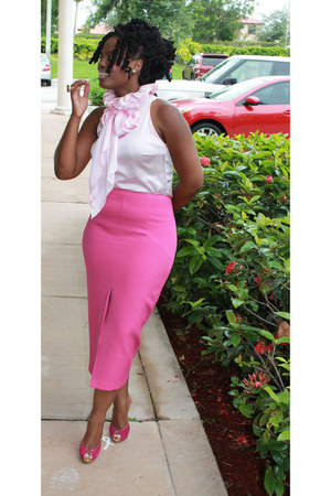 fittedpencil skirt - silk blouse