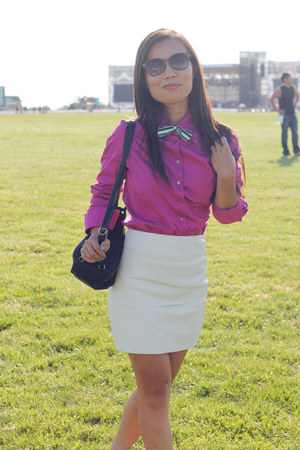 magenta Express shirt - off white Urban Outfitters skirt