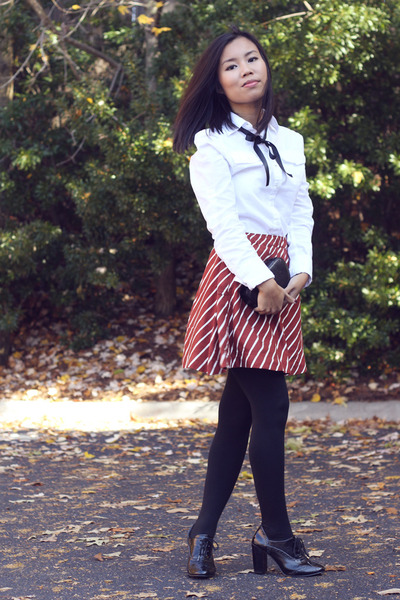 burnt orange Forever 21 skirt - black DKNY tights - white Converse blouse