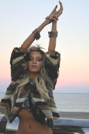 navy fur Like A Queen jacket - heather gray silk Armadio Di Mondo scarf