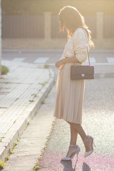 neutral Vinatge blouse - neutral Mango skirt
