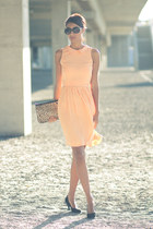 light orange Moda de Cine dress - black Primark shoes