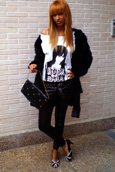 black BLANCO coat - black sphera leggings - white sphera t-shirt - shoes