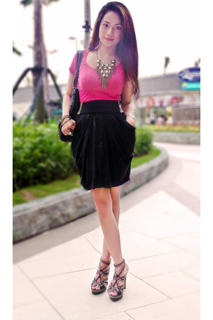 hot pink SM GTW shirt - black calvin klein bag - brown Charles & Keith heels
