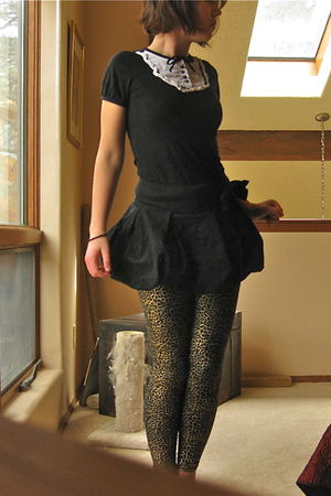 gold Forever 21 leggings - black shirt - black Rue 21 skirt