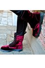 Ruby-red-doc-martens-boots-black-cos-coat-black-nudie-jeans-jeans-black-st