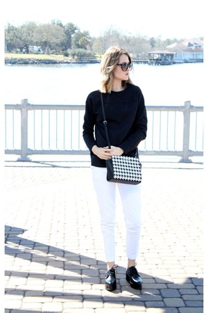 black ribbed Gap top - white trousers Forever 21 pants