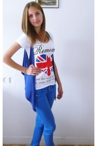 blue New Yorker jeans - white New Yorker t-shirt