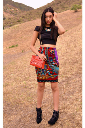 velvet skirt - purse - open back top - tribal necklace