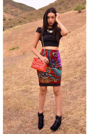 velvet skirt - purse - open back top - tribal necklace
