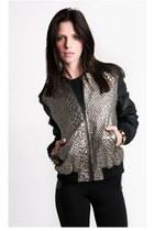 mono B jacket