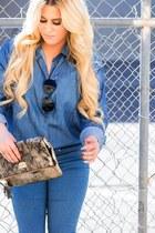blue mid-rise Forever 21 jeans - beige snakeskin Macys bag