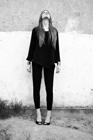 black second hand blouse - black no name pants - black F&amp;F heels