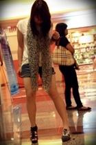 Topshop t-shirt - Oasis scarf - shorts - Zara shoes - belle shoes
