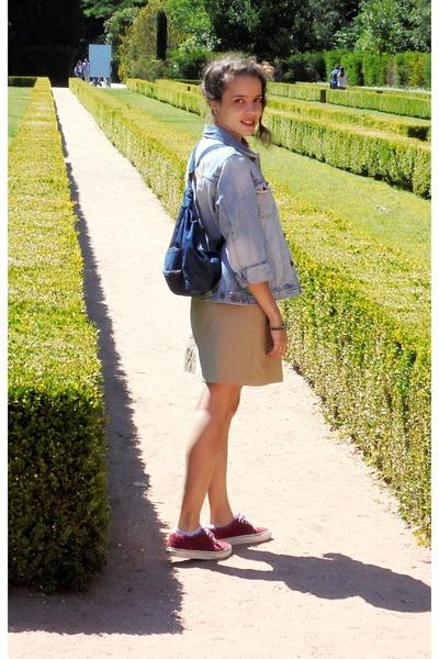 periwinkle denim SKMB jacket - brick red velvet Vans shoes