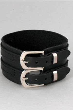 black double buckle Sodvine bracelet