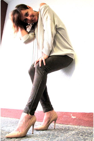 beige Mango jumper - dark khaki Zara pants - eggshell Mango pumps