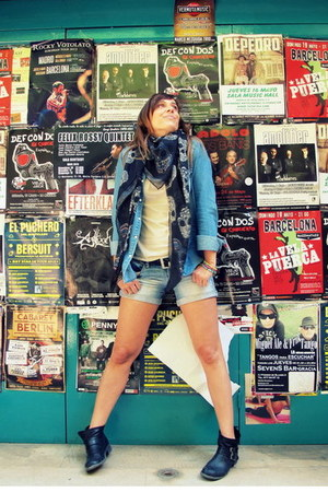 black Fosco boots - black Zara scarf - light blue Stradivarius shorts