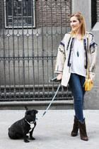 les petites jacket - Zara jeans - Lacambra bag