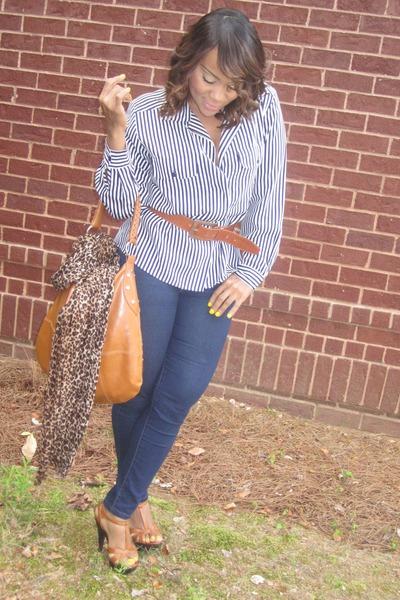 navy jeans Forever21 jeans - brown scarf H&M scarf - tawny heels GoJane heels -