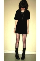 H&M t-shirt - mim shorts - tights - mim boots - socks - necklace