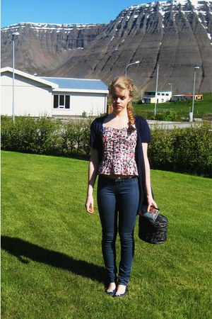 long navy cardigan - korset inspired top - jeggings pants - navy flats