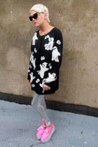 black ghost some velvet vintage sweater