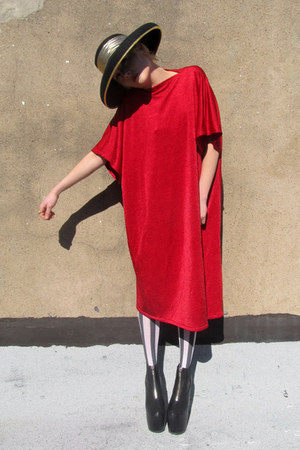 red oversized some velvet vintage dress