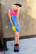 smiley face some velvet vintage shorts
