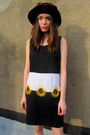 Black-sunflower-some-velvet-vintage-dress