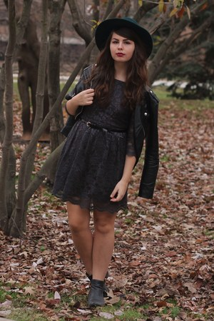 black thrifted boots - charcoal gray Forever21 dress - forest green thrifted hat