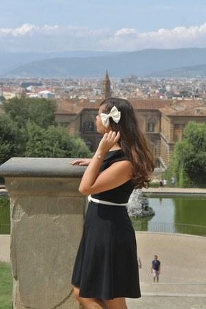 black modcloth dress - cream Claires hair accessory